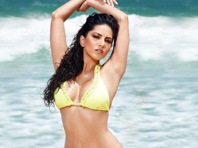 Top 10 Bollywood Sexiest Heroines